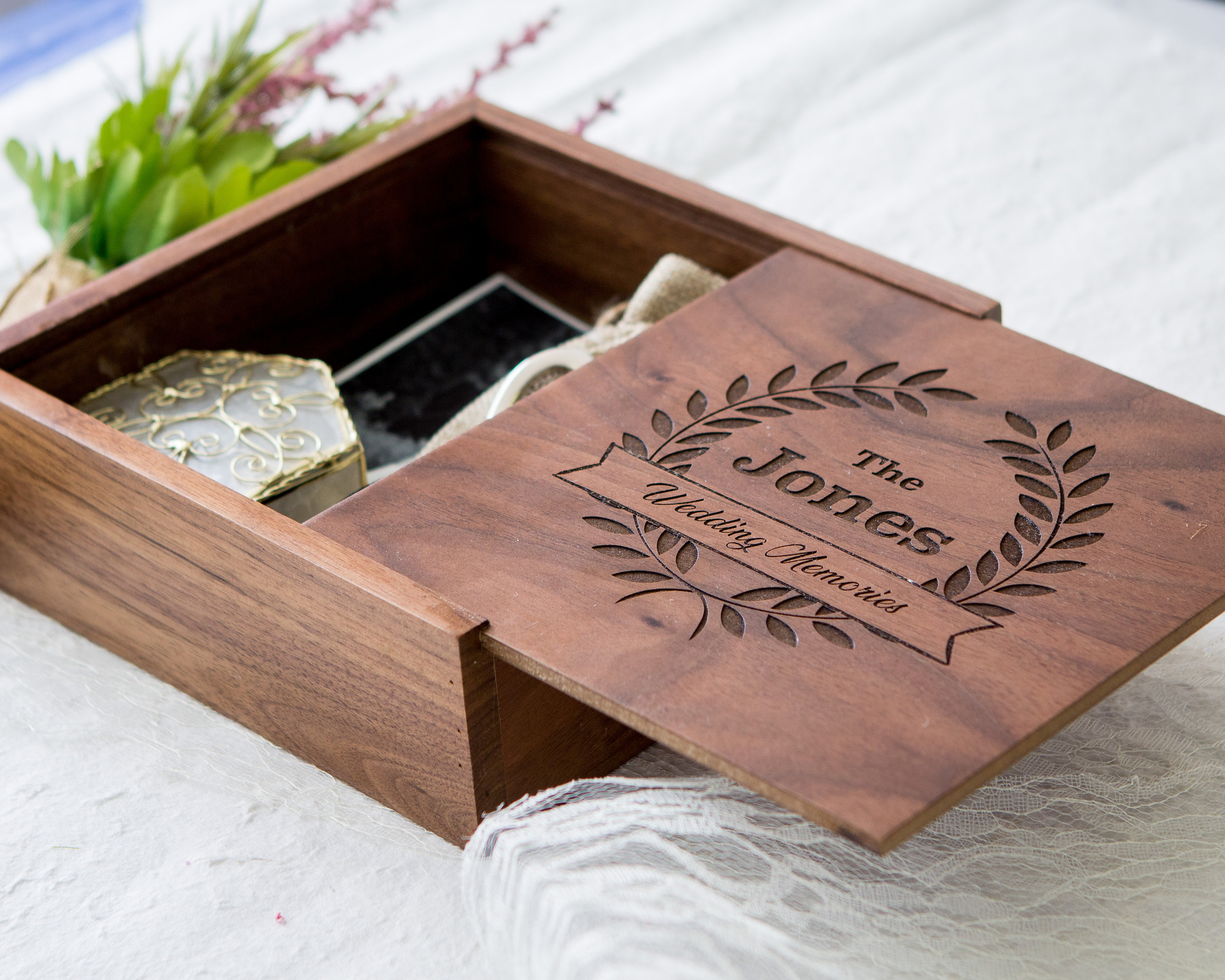 Wedding Gifts Boxes: Square Wedding Memory Box